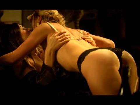 """Agnes Bruckner poniendo toda la carne en el asador en """"Breaking The Girls""""."""