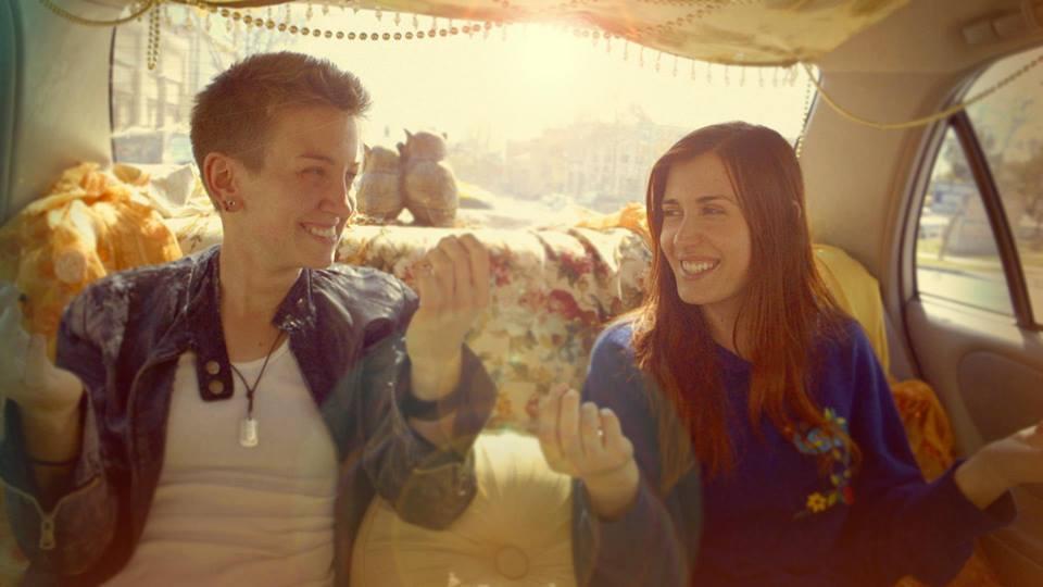 """A. Jack Morocco y Alma S. Grey, las protagonistas de """"Broken Gardenia"""" en un momento de la película."""