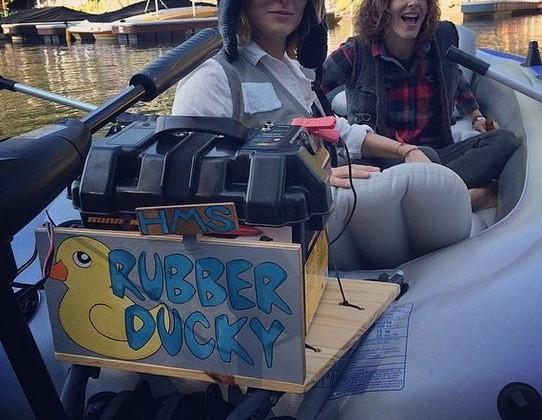 Rubber Ducky es el nombre de la barca de nuestras chicas L