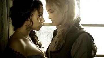 """Jessica Parker Kennedy y Hannah New retomarán su relación en la nueva temporada de """"Back Sails"""""""