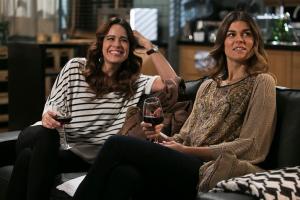 La tercera temporada de la telenovela Agua de Mar, que acab este mes de mayo en la tele portuguesa nos ha regalado un lesbiromance, el que portagonizan Gabi y Ariana
