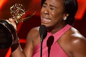 """Así de emocionada agradecía esta noche Uzo Aduba su Emmy a la mejor actriz de reparto por su papel de Crazy Eyes en """"OITNB"""""""