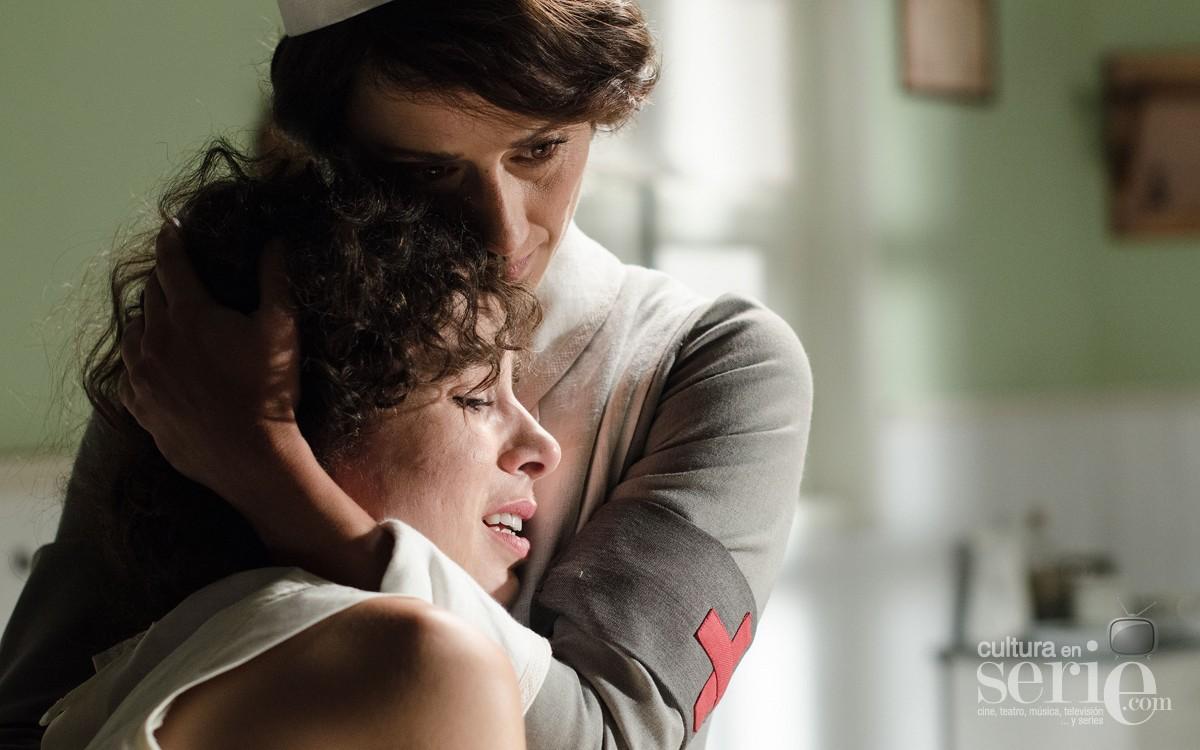 """Celia y Aurora se conocen en la consulta del Doctor Uribe en la que Celia intenta """"curarse"""" de su atracción por las mujeres..."""