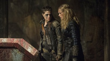 "The 100 -- ""Blood Must Have Blood, Part Two"" -- Image HU216B_0016 -- Pictured (L-R): Marie Avgeropoulos as Octavia and Eliza Taylor as Clarke -- Credit: Cate Cameron/The CW -- © 2015 The CW Network, LLC. All Rights Reserved"