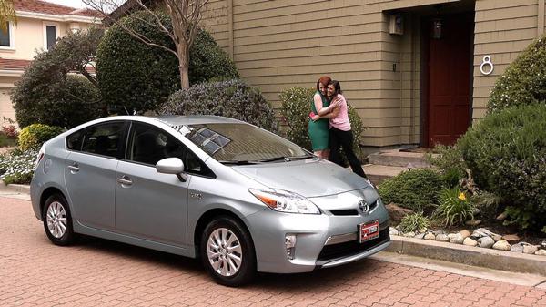 El anuncio lésbico de Toyota ya se emite en España
