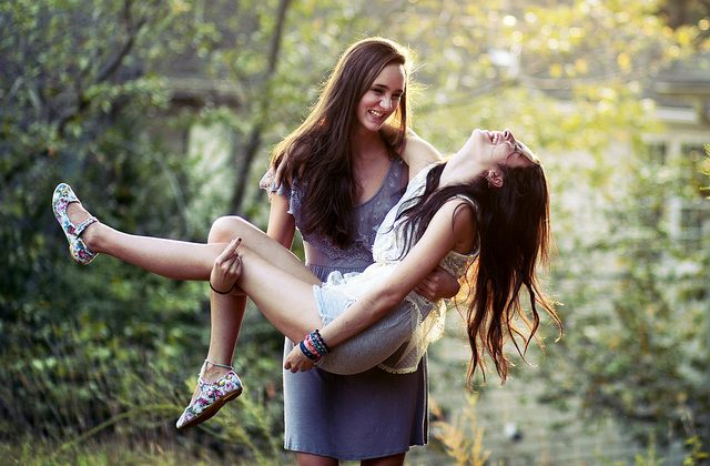 lesbian-online-dating