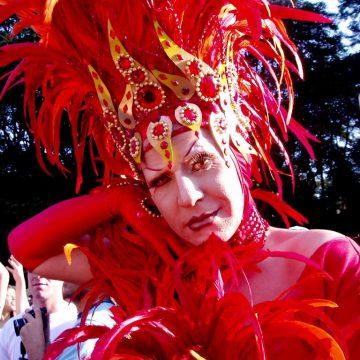 Una drag queen en la Cabalgata de Reyes