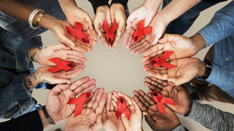 Lesbiana.es - La App Gindr comparte datos de VIH