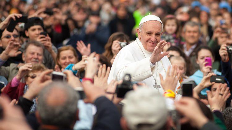 Lesbiana.es - Colectivo LGTB y la Iglesia - El Papa reconoce la homosexualidad
