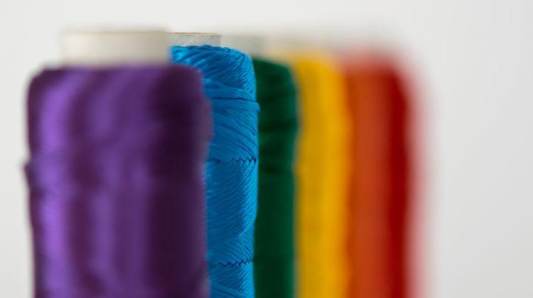 Lesbiana.es - El 100% del colectivo LGTBI ha sido discriminado