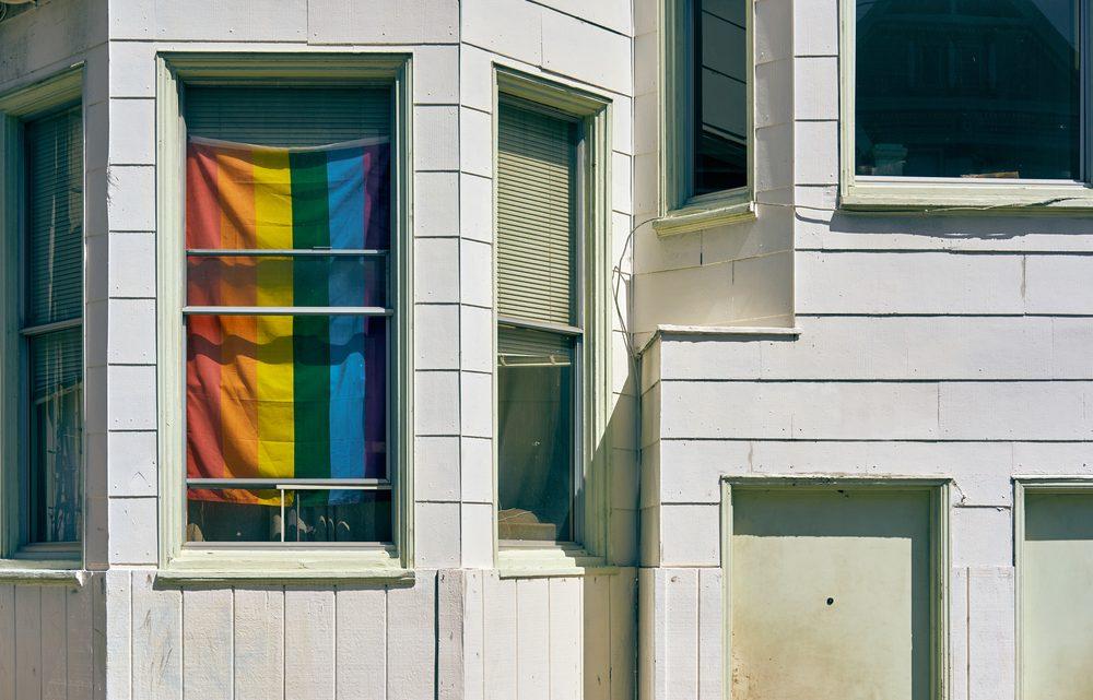 Vida alegre centro de día para mayores LGTB